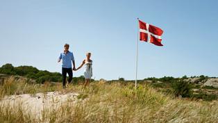 Slider-Paar-aan-zee-Denemarken