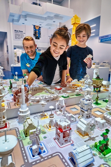 LEGO House Blue-Zone_City-Architect