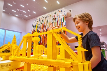 LEGO House Red-Zone_Brick-Builder
