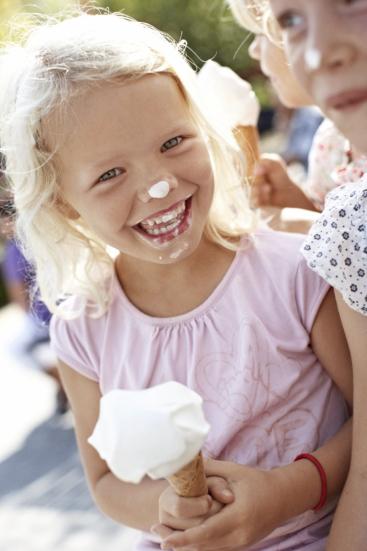 Meisje met ijsje in Denemarken. Foto: Niclas Jessen